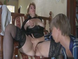 Idős házvezetőnő részeg csávó áldozata lesz